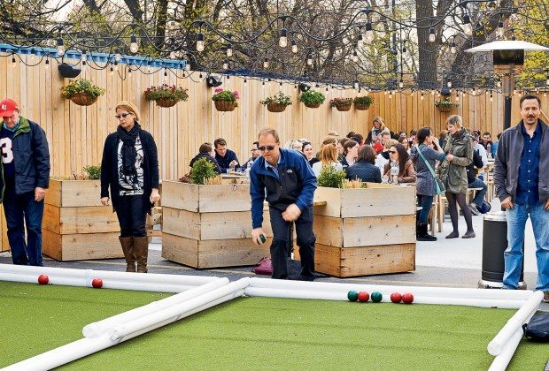 Bars With Outdoor Games in Chicago – Do More Than Just Drink